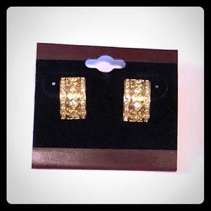 Jewelry - Gold Curved/Hoop Earrings